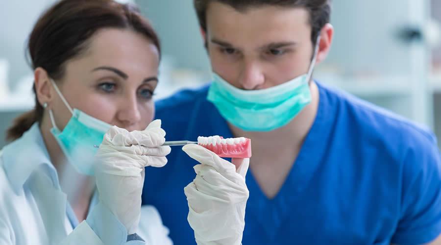 Diş protezi tedavisi ne kadar sürer