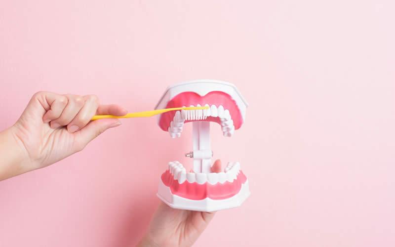 Diş beyazlatıcı macun nasıl kullanılır