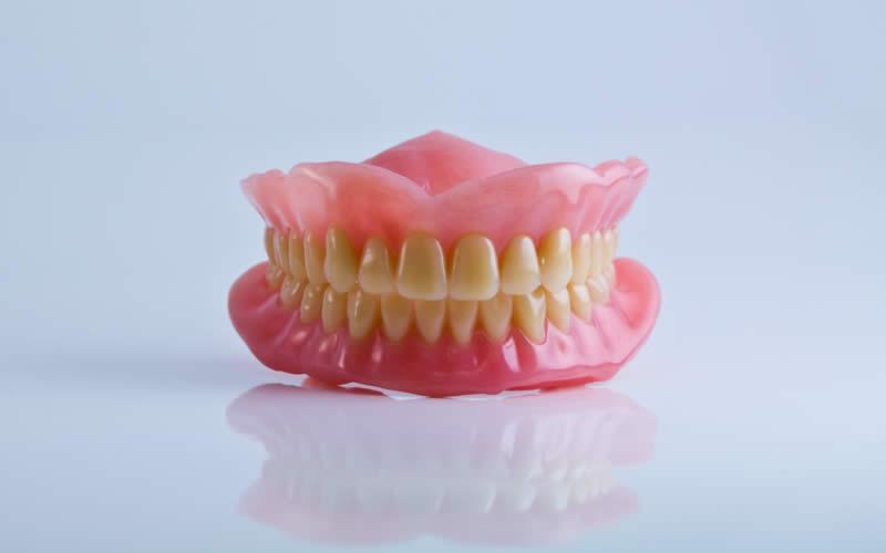 kancalı diş protezi fiyatları