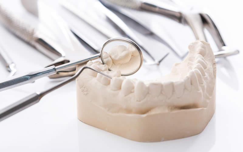 parsiyel diş protezi nasıl kullanılır